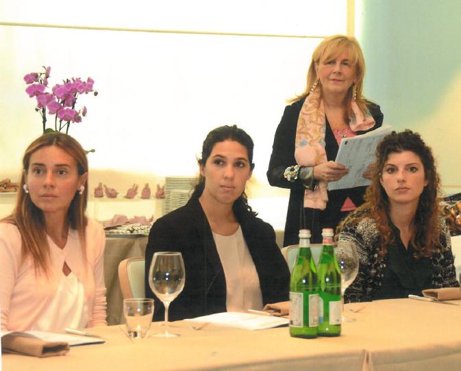 La Presidente Caterina Fioritti con alcune giovani DnT al Turin Palace Hotel